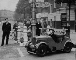 Rytecraft Scootacar Micro car. WW2  Lancaster Road, London