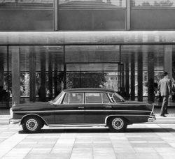 Mercedes-Benz 220 b to 300 SE long (1959 – 1965) – Mercedes-Benz