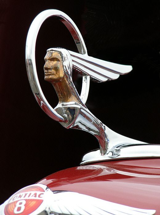 1934 Pontiac Chief hood ornament
