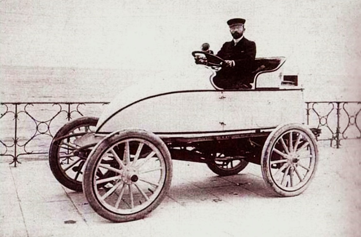1902 Leon Serpollet and the steam-powered 'Easter Egg'  Land speed record 75mph (120 ...