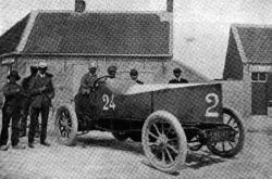 1904 Gobron-Brillié . First car over 100mph (166kph) –  Internal Combustion