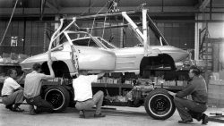 Split window coupe body drop… St. Louis Corvette assembly 1963