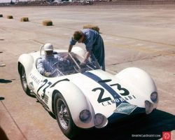 Stirling Moss sits in the Maserati Tipo 61 that will fail him at the start. (Photo: www.barcboys ...