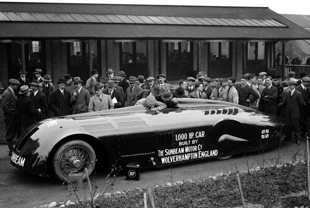 1927 Sunbeam 1000 hp Mystery Slug debut.  First car over 200mph(327kph) – Internal combustion