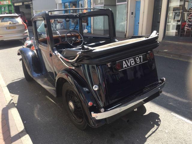 1935 Austin 10 Cabriolet.