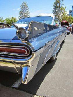 1959 Pontiac Bonneville 2-Dr Hardtop