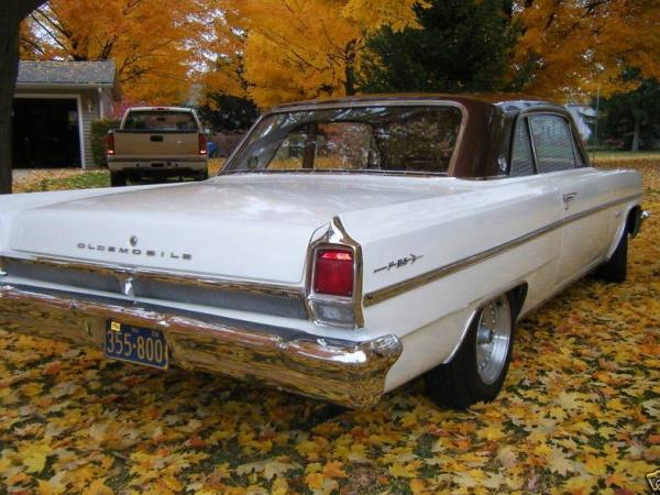 Compact Cruiser: 1963 Oldsmobile Cutlass