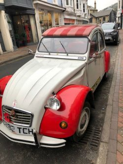 2CV Spotted at Ventnor Isle of Wight.