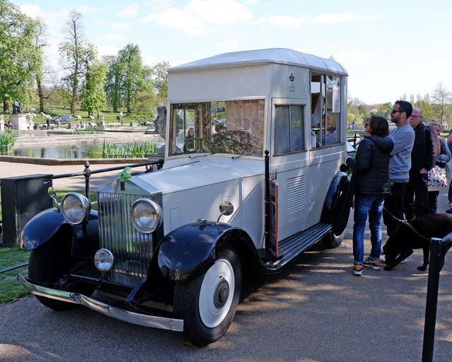 Roller Ice cream van